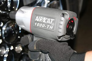 AIRCAT 1000-TH Composite Air Impact Wrench With Twin Hammer Mechanism